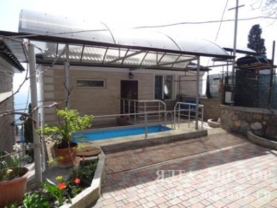 Мисхор. Видовые апартаменты с бассейном и двориком